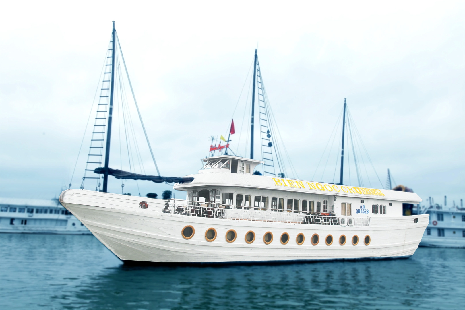 2 DAYS 1 NIGHT HALONG CRUISE ON SEAWIND CRUISE & HELIOS JUNKS